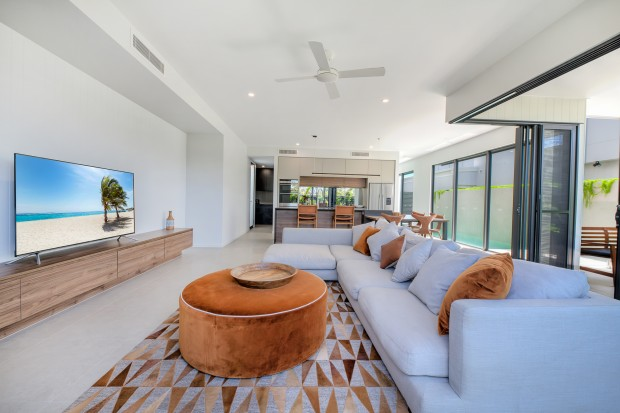 Fully furnished luxury beach house